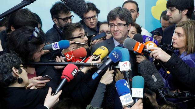 Madrid anuncia recurso no TC para impedir investidura de Puigdemont