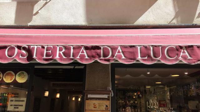 Restaurante que cobrou mil euros por quatro bifes multado em 14 mil euros