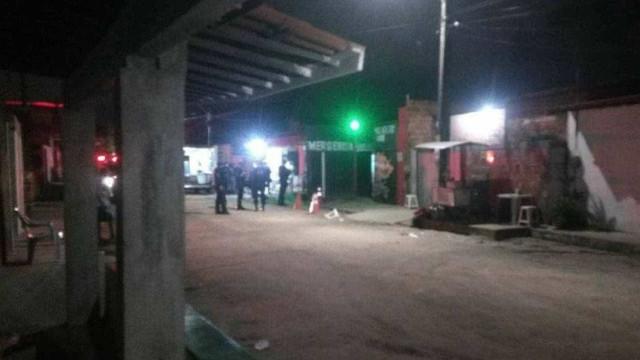Grupo armado invade festa em Fortaleza e mata 14 pessoas