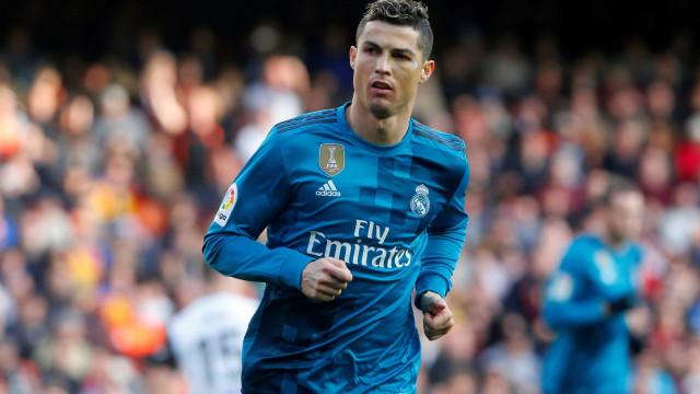 Real Madrid decide negociar contrato de Ronaldo no verão