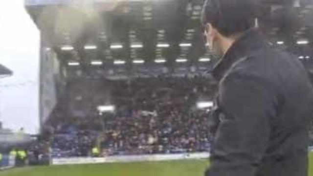 Ricardo Rocha regressou ao Portsmouth e teve direito a ovação arrepiante
