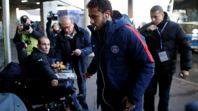 """Neymar: """"Ronaldo é o espelho para o qual eu olho"""""""