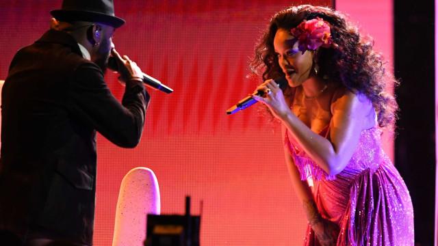 Grammys: Quilinhos a mais de Rihanna aumentam rumores de gravidez