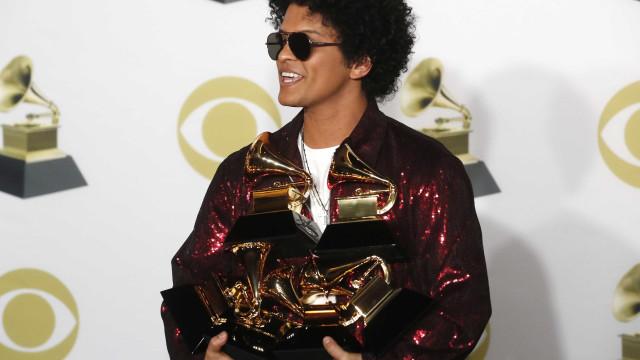 Bruno Mars e Kendrick Lamar foram os grandes vencedores dos Grammy