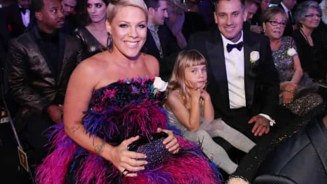 Pink realiza sonho à filha durante os Grammys