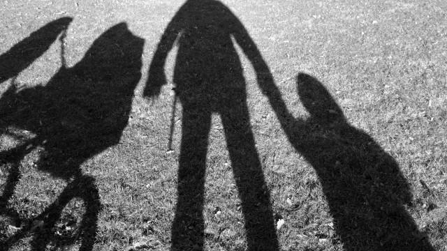 Idoso detido por tentar raptar menina de oito anos em Espanha