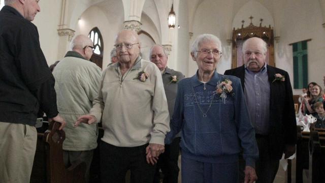 Casados há 70 anos renovaram os votos.. desta vez pela Igreja
