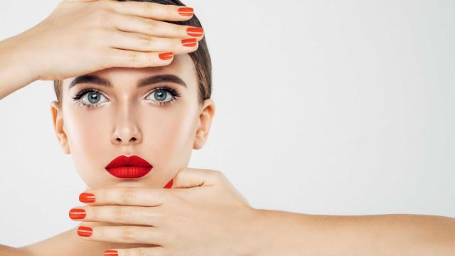 O melhor acessório de maquilhagem é… os seus dedos