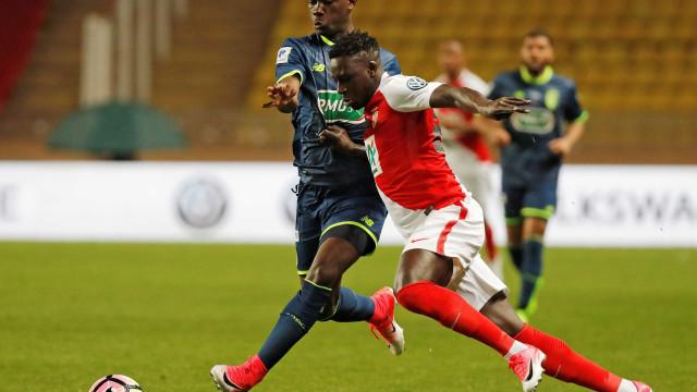 FC Porto e Monaco atentos a Yves Bissouma