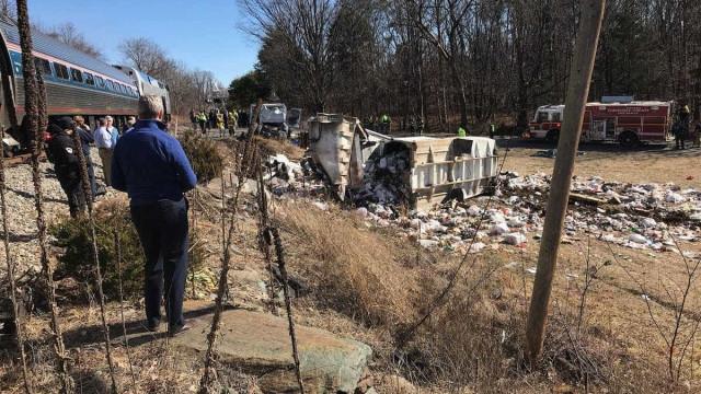 Comboio que levava membros do partido republicano envolvido em acidente