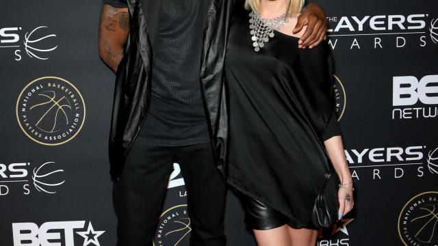 Ex-jogador da NBA e ex-concorrente do 'American Idol' morrem em acidente