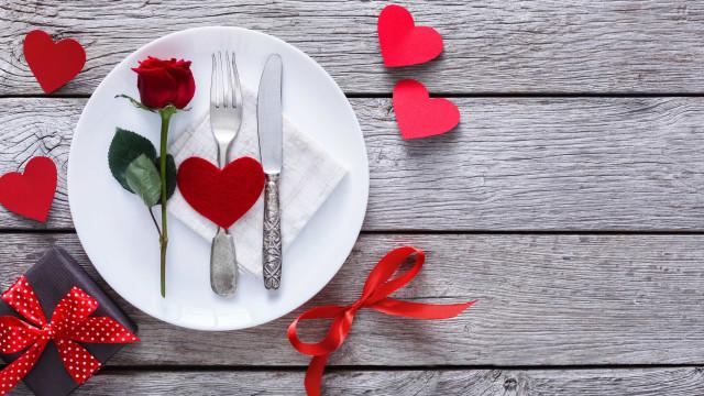 Biológico e afrodisíaco. O jantar romântico que vai 'aquecer' Lisboa