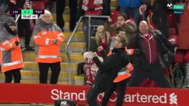O efusivo e hilariante festejo de Klopp após o segundo golo de Salah