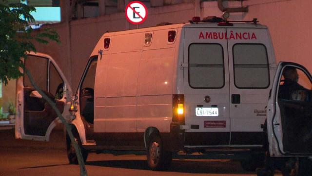 Homem morto com 15 tiros dentro de ambulância à porta de hospital