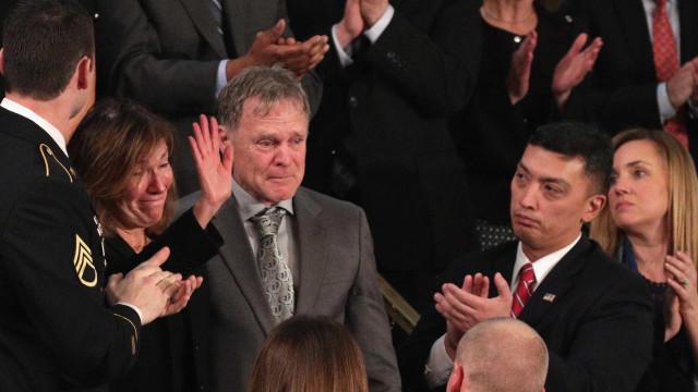 Pai de Otto Warmbier na cerimónia de abertura dos JO da Coreia do Sul