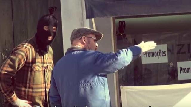 (Falso) ladrão pede indicações de joalharias e há quem o ajude