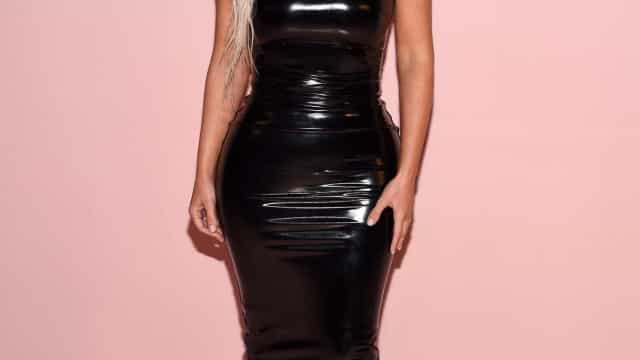 Novos perfumes de Kim Kardashian esgotam em quatro dias
