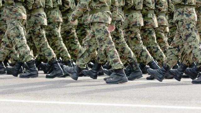 As celebridades que já serviram no exército