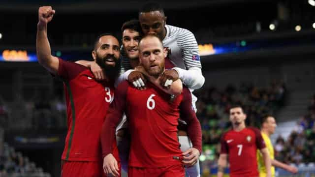 Portugal goleia Azerbaijão por 8-1 com tarde mágica de Ricardinho