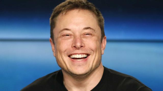 """Tesla não terá scooters elétricas. """"Não têm dignidade"""""""