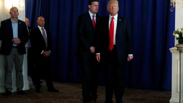 Secretário da Casa Branca demite-se após denúncia de violência doméstica