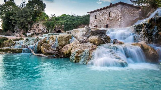 Conheça as piscinas termais mais bonitas do mundo