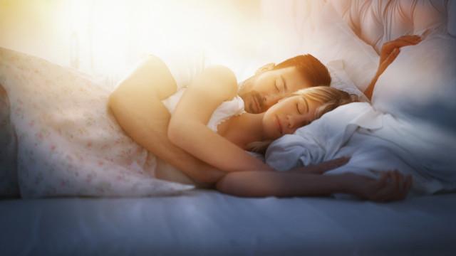 Fazer amor ou ir dormir? Quando a escolha certa é a que parece errada
