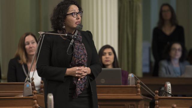 Advogada do movimento #MeToo investigada por assédio sexual