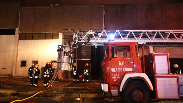 Bombeiros de Portugal tentam encontrar solução para Vila do Conde