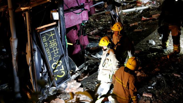 Acidente com autocarro em Hong Kong provoca 18 mortos e 62 feridos