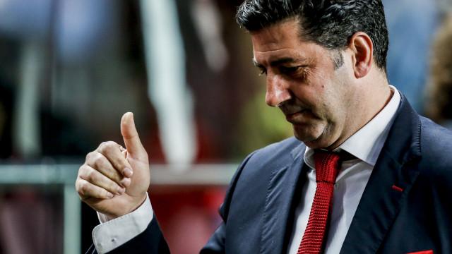 Rui Vitória com duas novidades na convocatória do Benfica