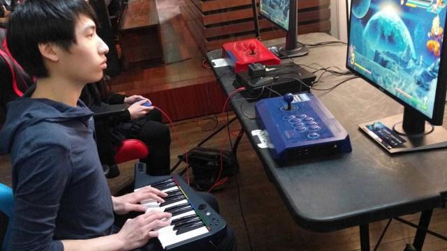 Jogar 'Dragon Ball FighterZ' com teclado de 'Rock Band'? Sim, é possível