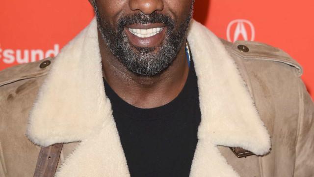 Idris Elba pede namorada em casamento