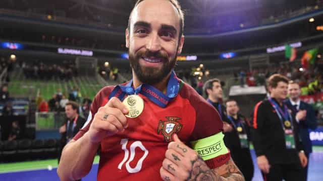 Ricardinho recordou a rejeição no FC Porto e a paixão pelo seu ídolo