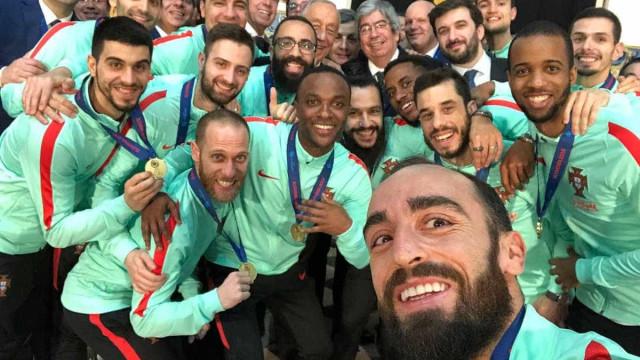 """""""É bom estarmos entre os melhores dos melhores. Obrigada"""", diz Marcelo"""