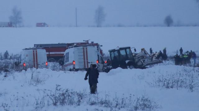 Imagens de vigilância mostram explosão na queda de avião russo