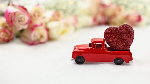 Dia dos Namorados: A Taxify ajuda-o a surpreender a sua cara metade
