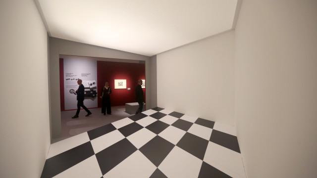Apaixonados têm promoção especial amanhã na retrospetiva 'Escher'