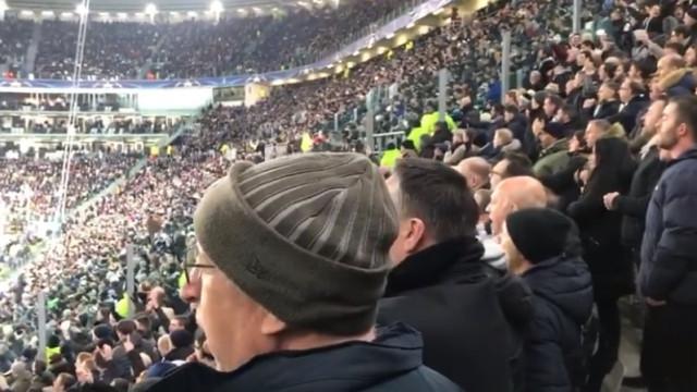 Adeptos do Tottenham dedicam cântico a Ryan Mason