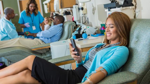 Conheça as polémicas transfusões de sangue para retardar a velhice