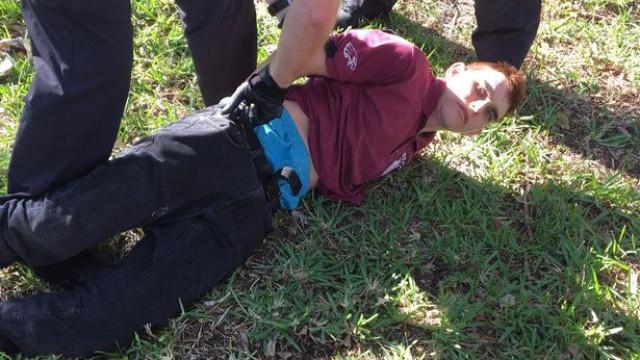 Jovem assume autoria de tiroteio em liceu na Florida. Matou 17 pessoas