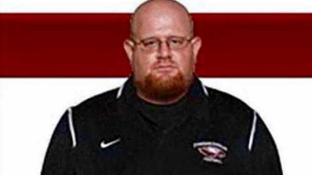 Treinador deu 'corpo às balas' para defender alunos e morreu em tiroteio