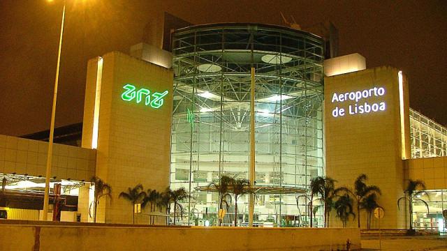 Menores detidos com os pais no Aeroporto de Lisboa