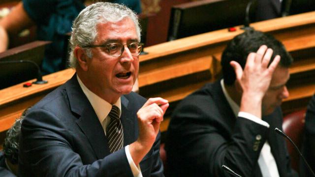 Negrão é candidato único à bancada do PSD e corta 'vices' de 12 para 7