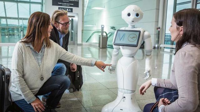 Josie Pepper, a robot que ajuda viajantes chegou à Alemanha