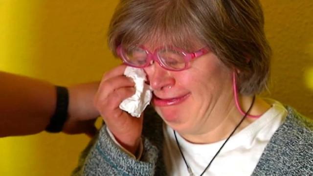 """Mulher com Trissomia 21 expulsa de evento por dar """"má imagem"""""""