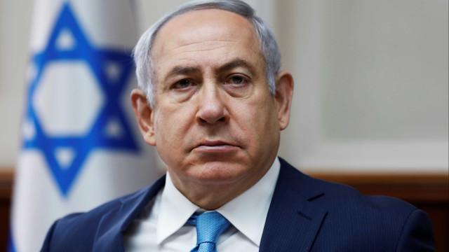 Netanyahu confirma bombardeamentos a armazém de armas em aeroporto sírio