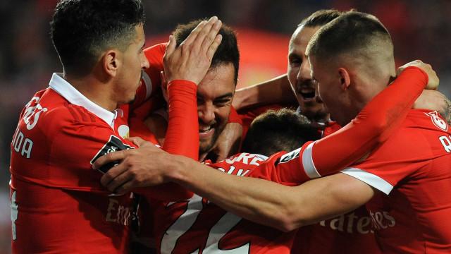 Eixo central do Benfica reservou uma noite na liderança do campeonato
