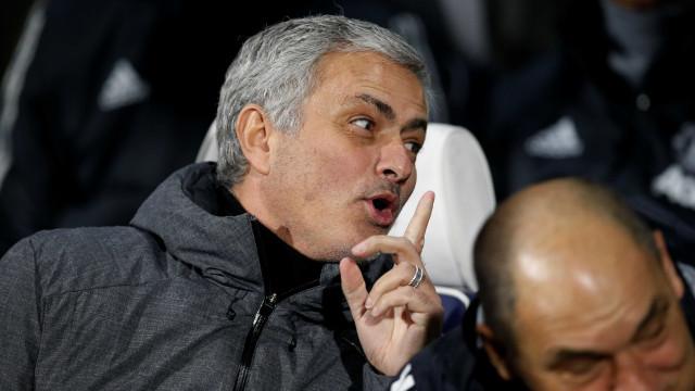 """Mourinho e o golo anulado: """"Tive de mandar calar os meus adjuntos"""""""