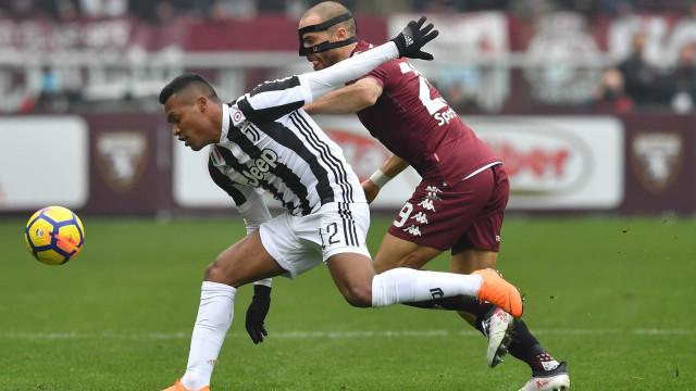 Alex Sandro determinante na vitória da Juve no dérbi de Turim